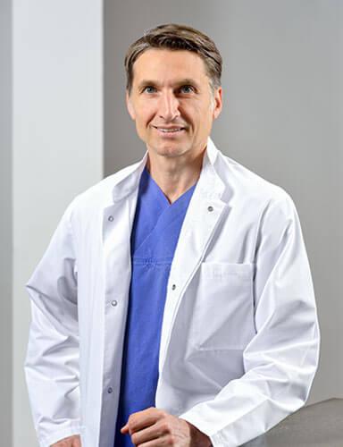 Dr. med. Edouard H. Manassa