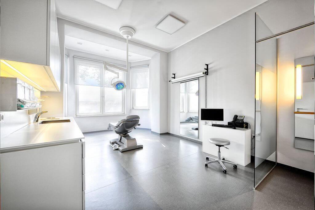 Behandlungsraum Klinik am Rhein