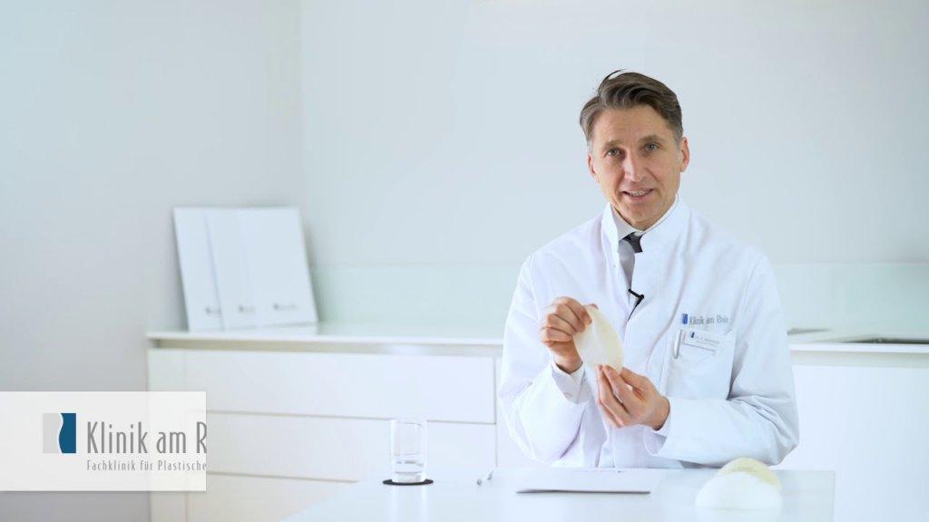 Können Brustimplantate verrutschen?